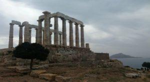 Vista actual del Cabo Sunión, cerca de Atenas, en la Grecia actual.