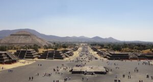 Photo of the street of the dead and pyramid of the sun, Teotihuacan