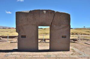 photo of monolithic in Tiahuanaco