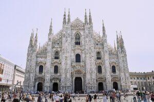 fotografía de la Catedral de Milán (Italia).