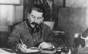 Fotografía de Stalin en su escritorio de trabajo