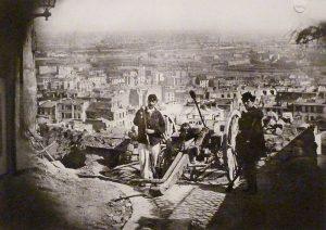 fotografia de la Barricada en Montmartre durante la Comuna de París